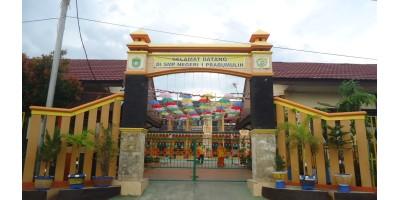 display sekolah